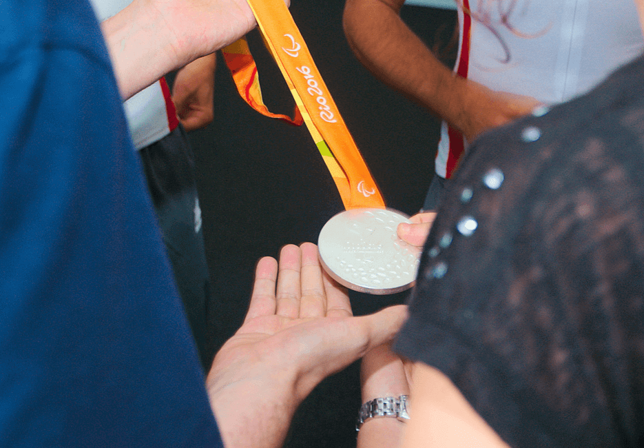 Los compañeros de Transgesa disfrutan con las medallas conseguidas en Río